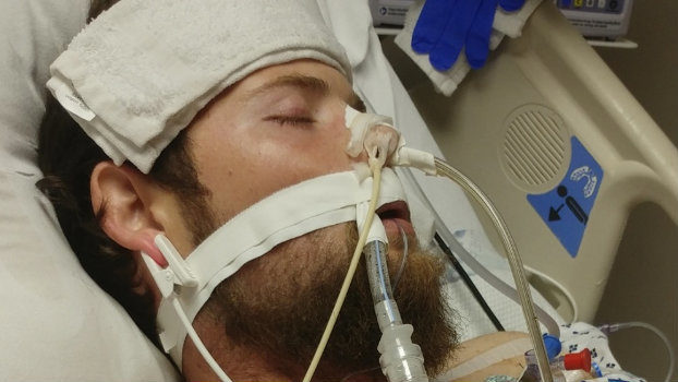 Detroit Tigers pitcher asks people to help friend who was shot while selling phone