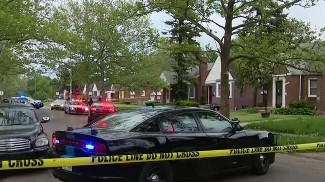 Detroit police investigating after 15-year-old shot in leg on city's east side