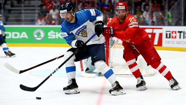 Finnish defenseman Oliwer Kaski officially signs with Red Wings