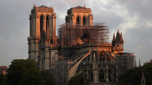 US donors, not French tycoons, foot Notre Dame works bills
