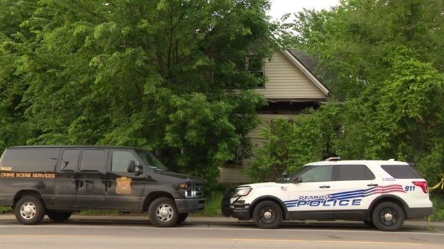 Body found in vacant house on Mack in Detroit