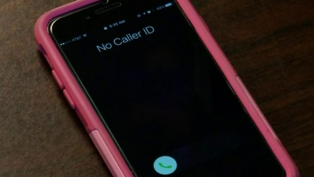 FCC's new rule allows phone service carriers to block robocalls