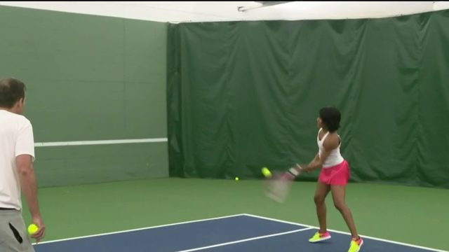 How to play tennis against yourself