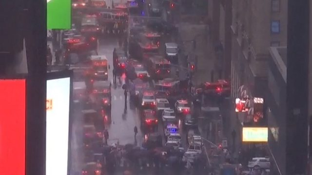 New York Fire Department: Helicopter crash reported in Manhattan