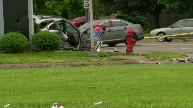 Driver flees officers in Roseville, hits woman at 12 Mile, Gratiot