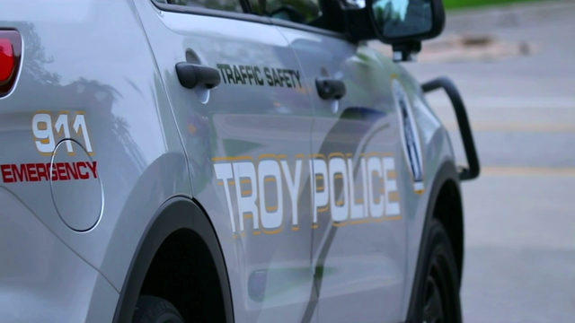 Police investigating car break-ins at Embassy Suites of Troy