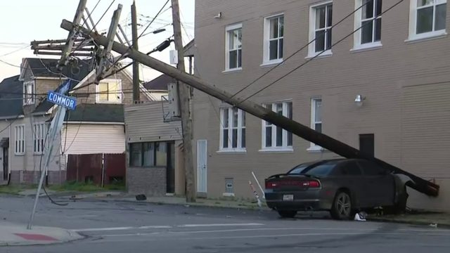 Car hits pole, knocking out power in Hamtramck