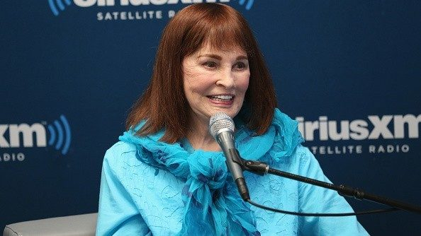 Gloria Vanderbilt, heiress, jeans queen, dies at 95