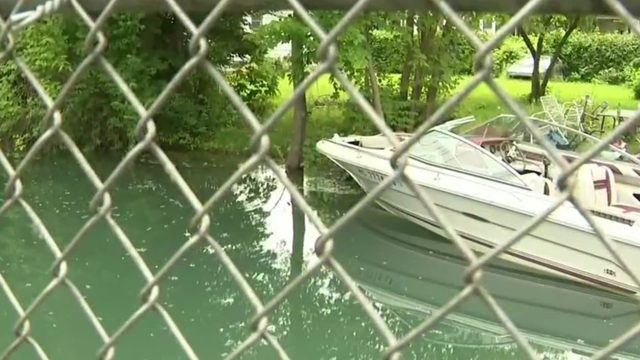 Detroit River high water levels creating problems for residents