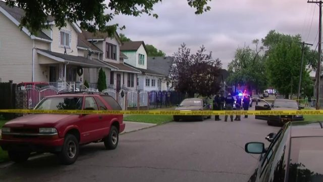 Detroit father arrested after fatally shooting teen robbing his son…