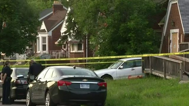 Detroit police investigating double shooting involving father, 4-year-old son