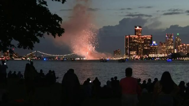 Families head to Belle Isle for 2019 Ford Fireworks
