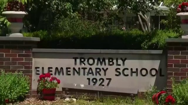 Parents angry after Grosse Pointe board votes to close two elementary schools