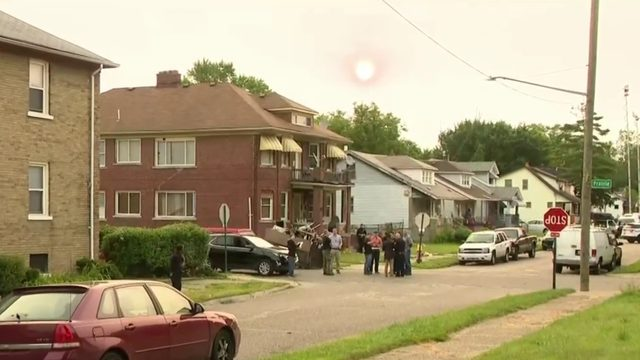 2 adults, 2 children injured in shooting on MacKenzie Street in Detroit