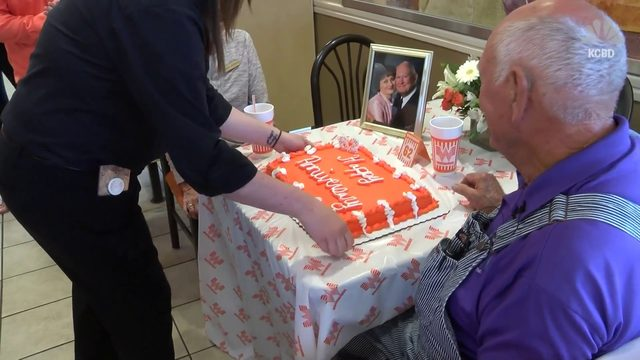 Texas couple celebrated 62nd anniversary at Whataburger