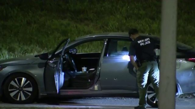 Man found shot in car along I-96 near Livernois in Detroit