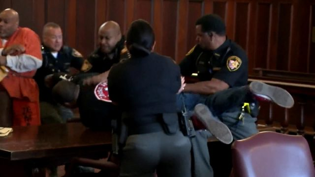 Video: Ohio murder victim's sons attack killer in court