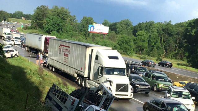 Crash involving 20 to 30 vehicles closed WB I-96 at Kensington