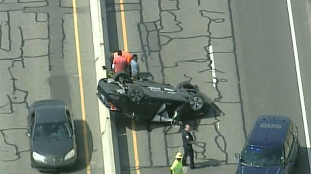 Northbound I-75 reopens at 14 Mile Road in Oakland County after crash