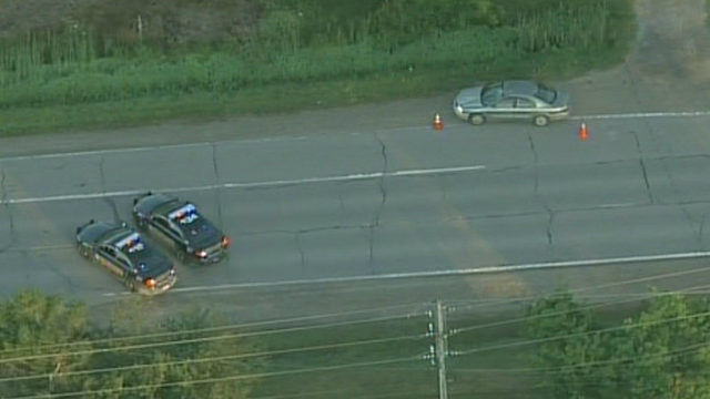 25-year-old bicyclist struck by car, killed in Macomb County