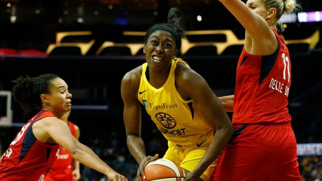 WNBA: Los Angeles Sparks pull out win against Dallas Wings
