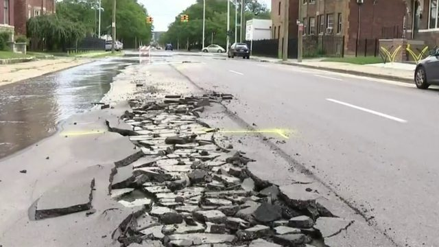Detroit residents concerned about water main break, crumbling road