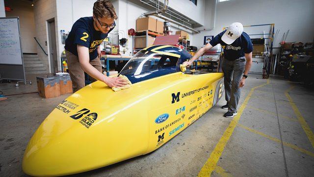 University of Michigan Solar Car Team unveils Electrum, gets ready for…