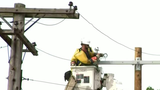 Thousands of SE Michigan residents without power for days