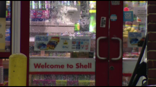 Detroit Police: Gas station clerk shoots at suspected potato chip thief,…