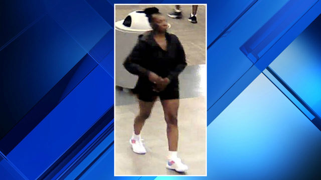 Woman steals diamond ring from jewelry store at Macomb Mall, police say