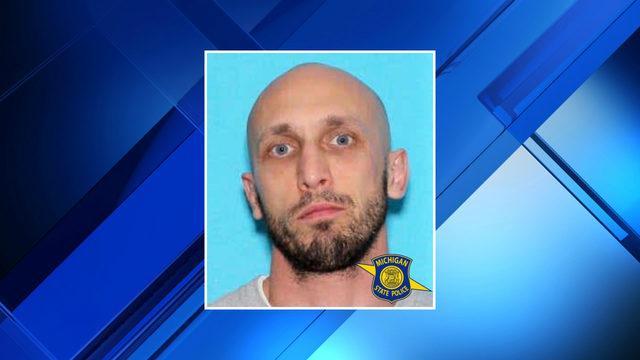 Police seek felon wanted in northern Michigan