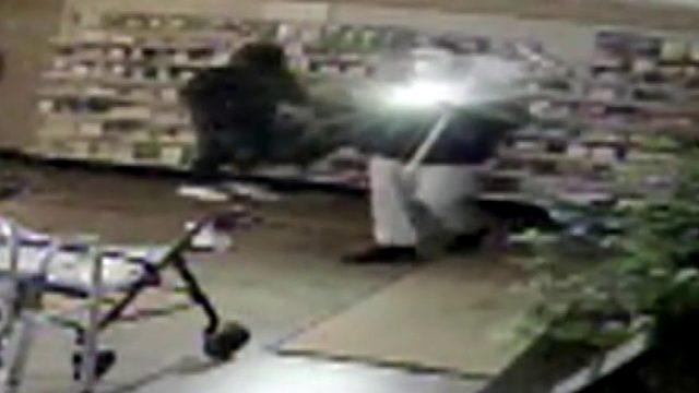 Authorities seek group that broke into Pontiac pharmacy