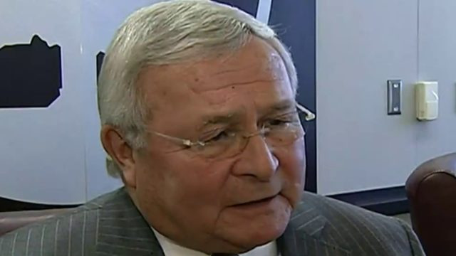 Michigan leaders react to passing of longtime Oakland County Executive…