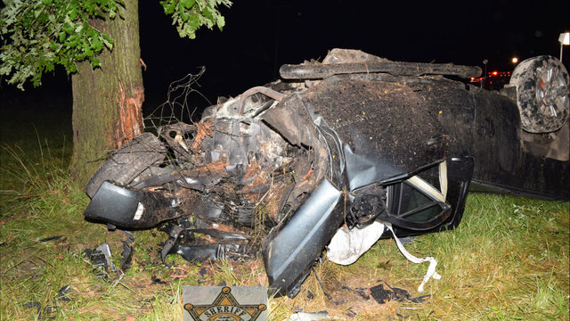 Lapeer County deputy rescues driver from burning pickup truck after…