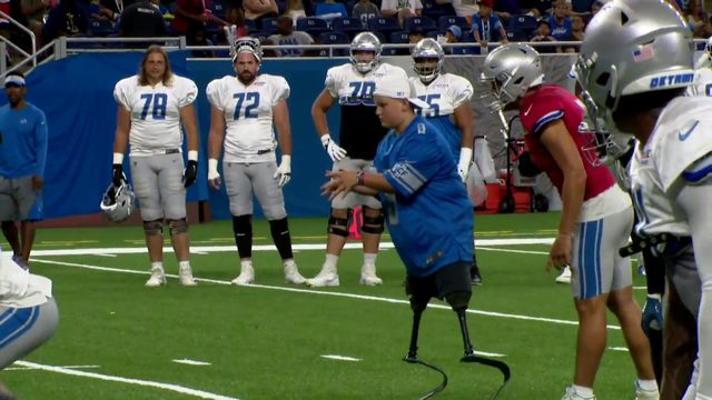 WATCH: Double amputee throws touchdown pass during Detroit Lions practice