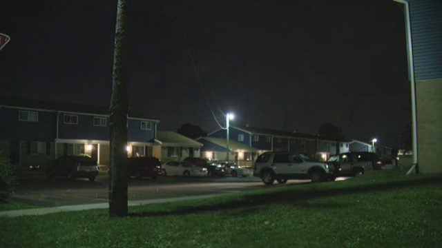 Man walks up to window of Oakland County apartment, fires shots
