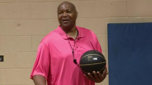 Detroiter, NBA star Derrick Coleman gives local kids an assist