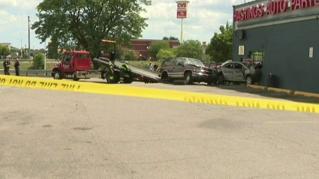 Police chase ends with suspects crashing vehicle into Hazel Park auto shop
