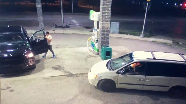Video shows gunman steal off-duty cop's pickup truck at Detroit gas station