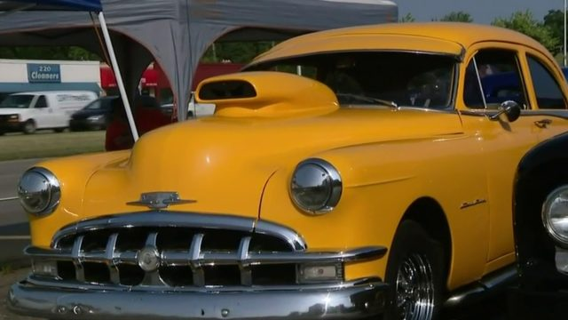 Woodward Dream Cruise: Car lovers ready to roll