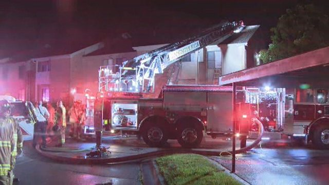 Lightning strike causes fire at Rochester Hills apartment complex, officials say