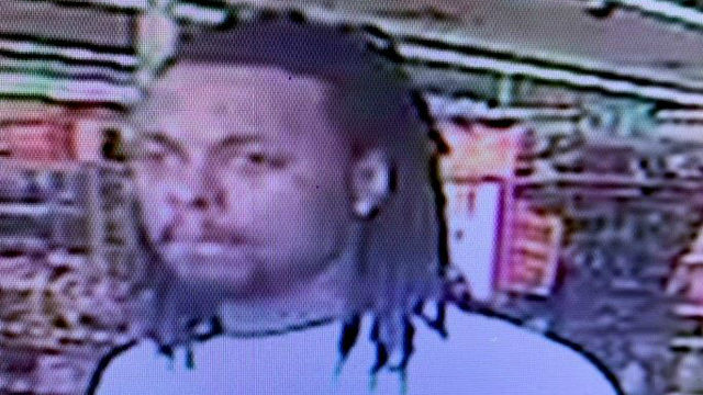 Detroit police seek man who stole woman's purse after following her to car