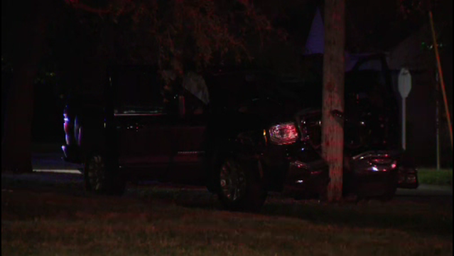 1 person shot in suspected robbery and carjacking in Royal Oak Township