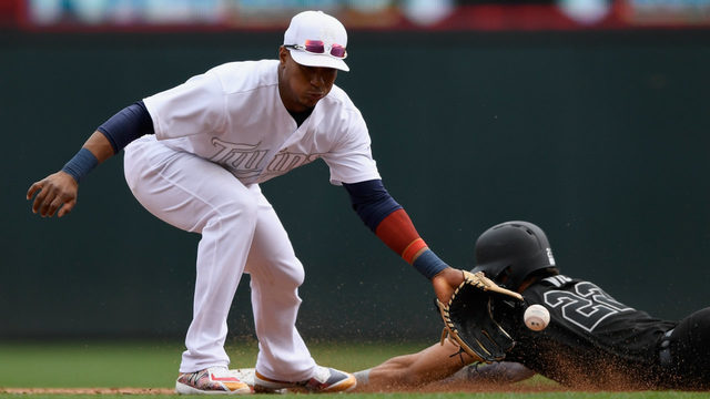Cron, Schoop power Twins to 7-4 win over Tigers