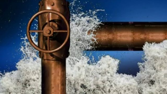 Crews fix water main break in Grosse Pointe Shores