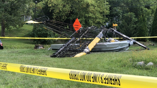 Seaplane crashes into front yard of Oakland County home