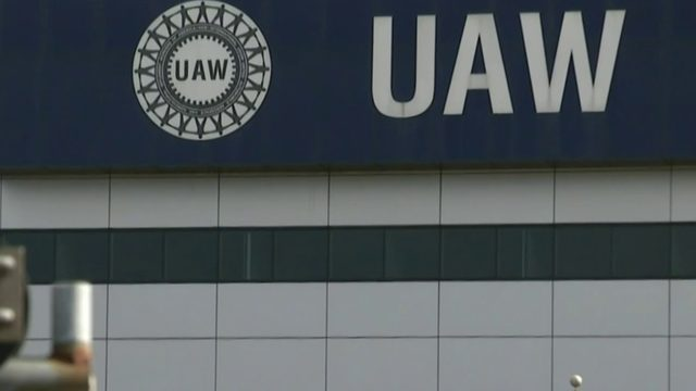 First big deadline nears in UAW, General Motors contract talks