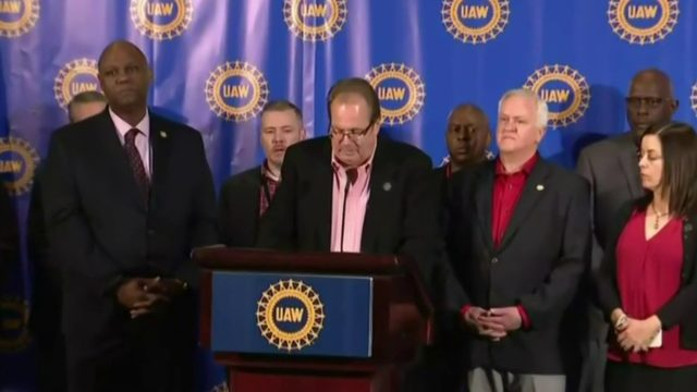 Weekend UAW contract deadline looms under cloud of corruption scandals