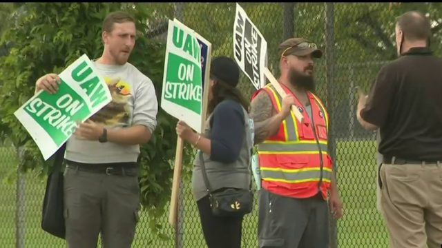 UAW members prepare for picket lines