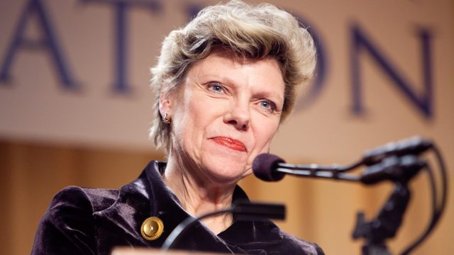 Legendary journalist Cokie Roberts dies at 75